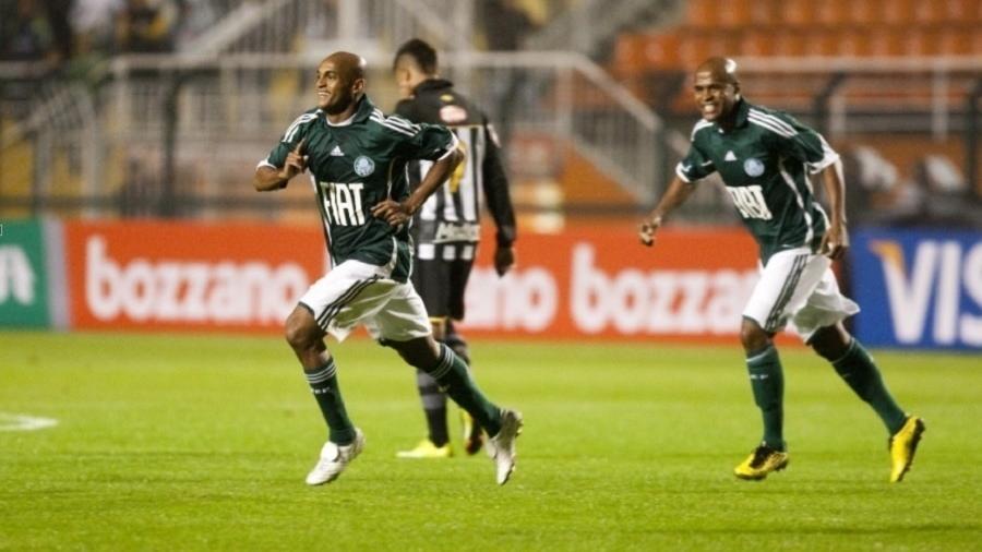 Ewerthon atuou com a camisa do Palmeiras em 2010 - Thiago Bernardes/UOL
