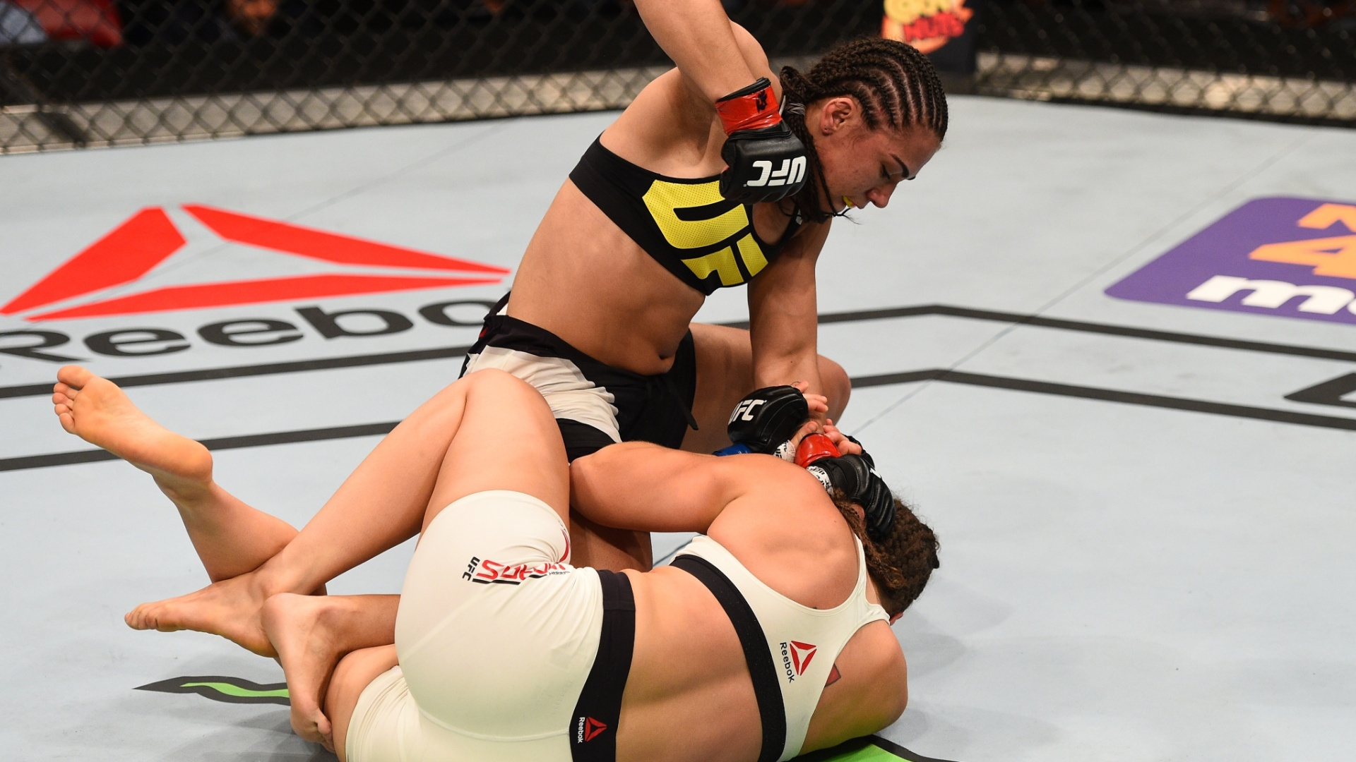 Jessica Andrade castiga Sarah Moras no UFC: Mir x Duffee