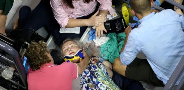 Torcedora é atendida após cair em arquibancada no Aberto da Austrália - Cameron Spencer/Getty Images