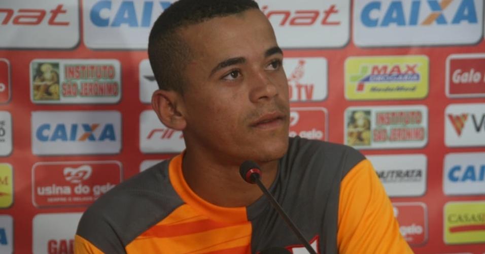 Novo reforço do Corinthians, Luidy dá entrevista como jogador do CRB