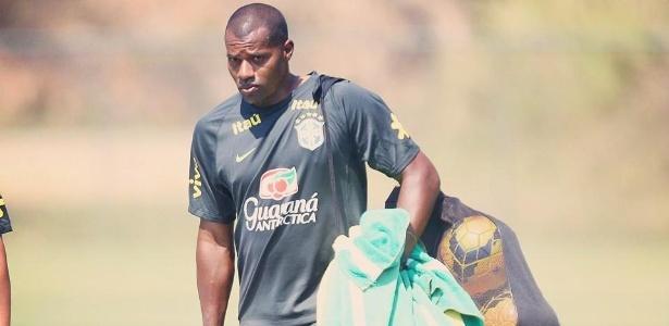 Antes auxiliar, hoje Luizão é técnico da seleção brasileira feminina sub-17