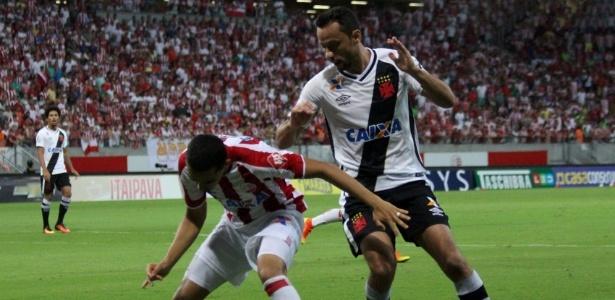 Nenê foi advertido novamente contra o Náutico e desfalcou o Vasco diante do Paysandu