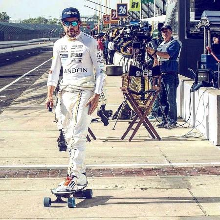 Fernando Alonso no paddock das 500 Milhas de Indianápolis - Reprodução/Instagram