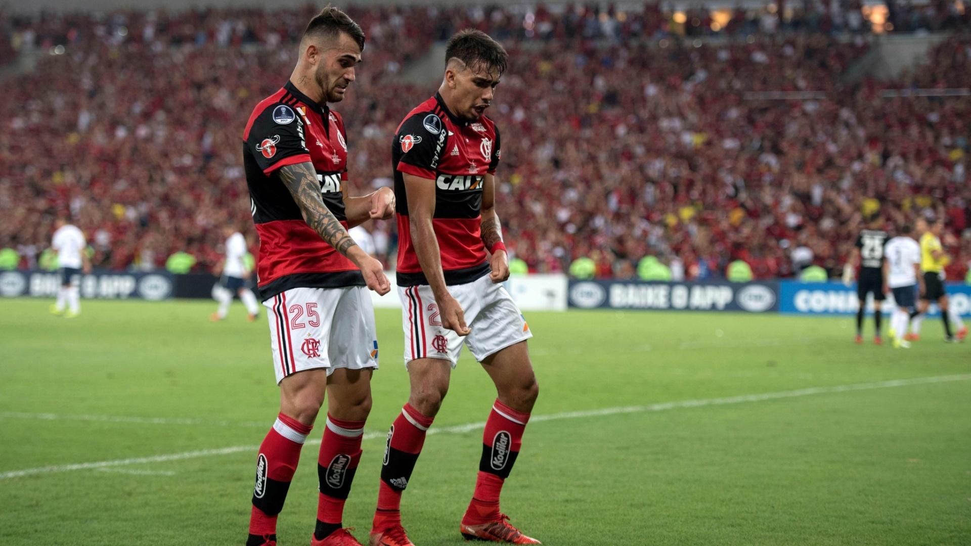 Lucas Paquetá comemora após marcar pelo Flamengo contra o Independiente