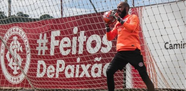 Danilo Fernandes, goleiro do Inter, retoma treinamentos com bola - Max Peixoto / Ms+ Sports