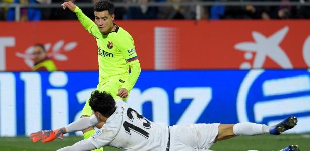 Coutinho teve atuação apagada contra o Girona - LLUIS GENE / AFP