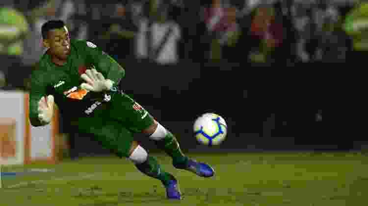 Sidão faz defesa durante a partida entre Vasco e Avaí pelo Campeonato Brasileiro - Dhavid Normando/Futura Press/Estadão Conteúdo - Dhavid Normando/Futura Press/Estadão Conteúdo