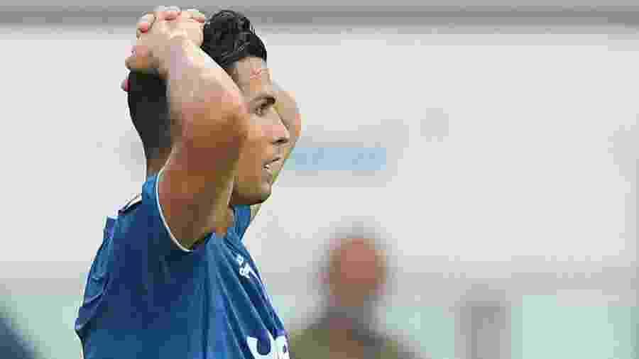 Cristiano Ronaldo lamenta durante jogo pela Juventus - Alberto Lingria/Reuters