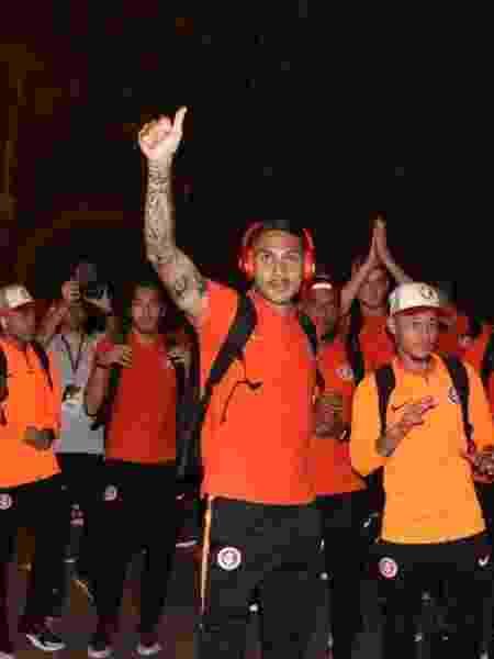 Jogadores do Inter agradecem apoio em saída da delegação no aeroporto - Divulgação/Inter - Divulgação/Inter