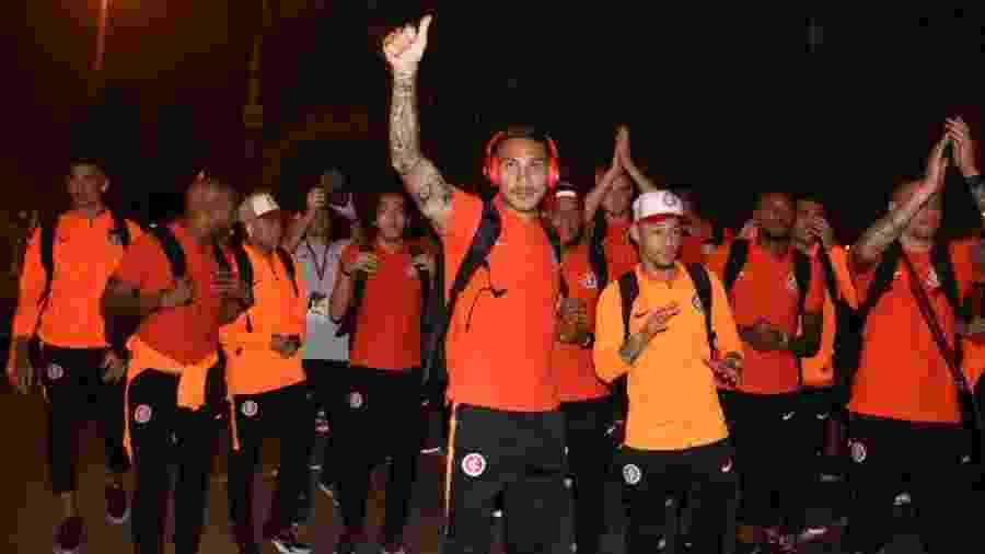 Jogadores do Inter agradecem apoio em saída da delegação no aeroporto - Divulgação/Inter