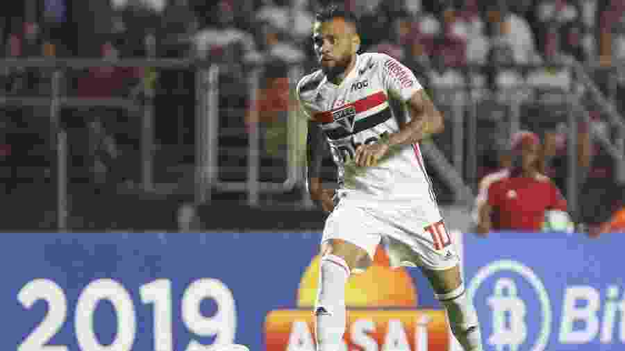 Daniel Alves, durante jogo do São Paulo - Marcello Zambrana/AGIF