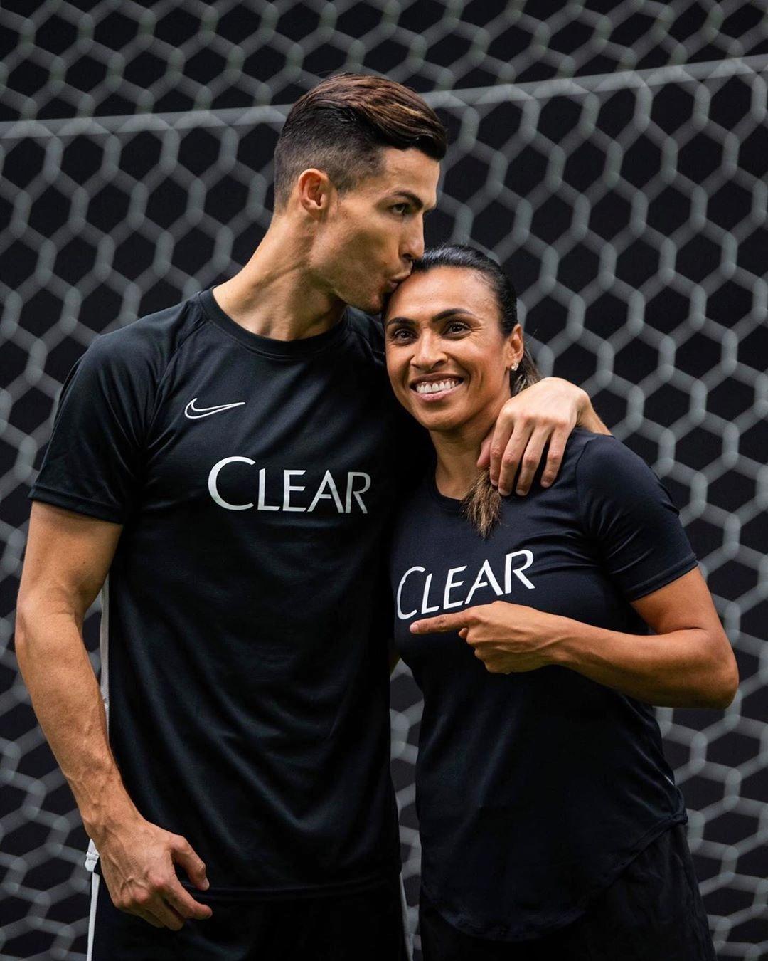 Cristiano Ronaldo e Marta Silva, gigantes do futebol mundial