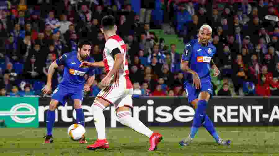 Deyverson marca para o Getafe contra o Ajax - Soccrates Images/Getty Images
