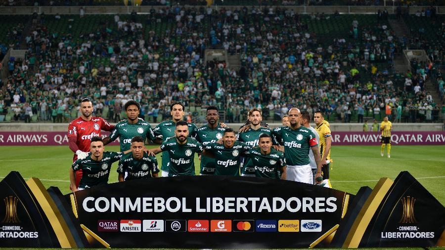 Time do Palmeiras posa para foto antes do confronto com o Guaraní, do Paraguai, pela Libertadores - Bruno Ulivieri/AGIF
