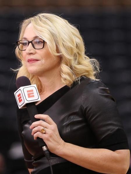A jornalista Doris Burke, repórter e analista de jogos da NBA - Tom Szczerbowski/Getty Images