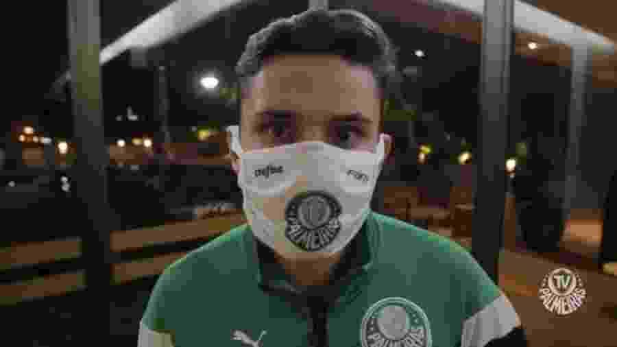 Raphael Veiga vinha se destacando pelo Palmeiras. Agora é mais um afastado devido a contágio - Reprodução/YouTube
