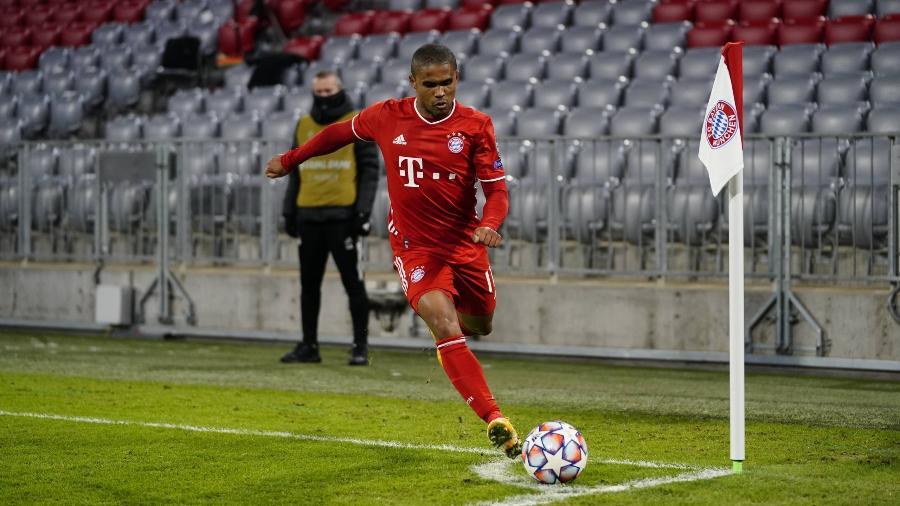 Douglas Costa tem tido poucas oportunidades na segunda passagem pelo Bayern - Reprodução