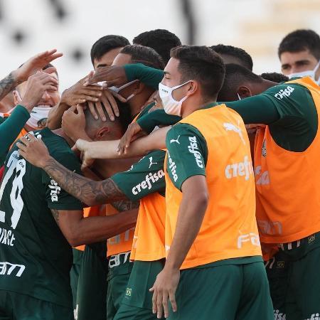 Jogadores do Palmeiras comemoram o gol contra a Ponte Preta - Cesar Greco/ Palmeiras