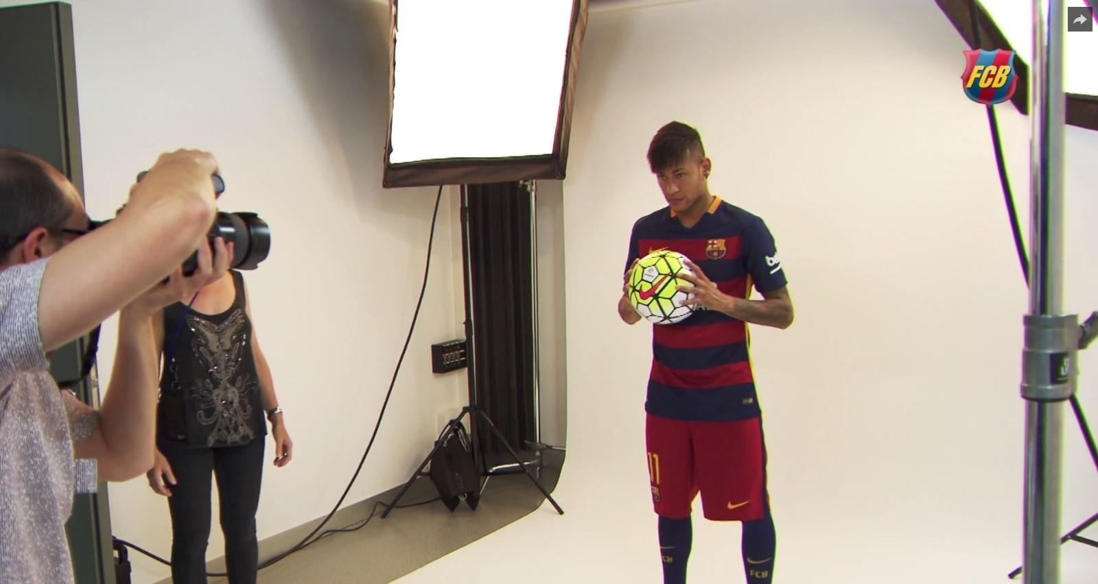 Neymar vira modelo dos novos uniformes do Barcelona