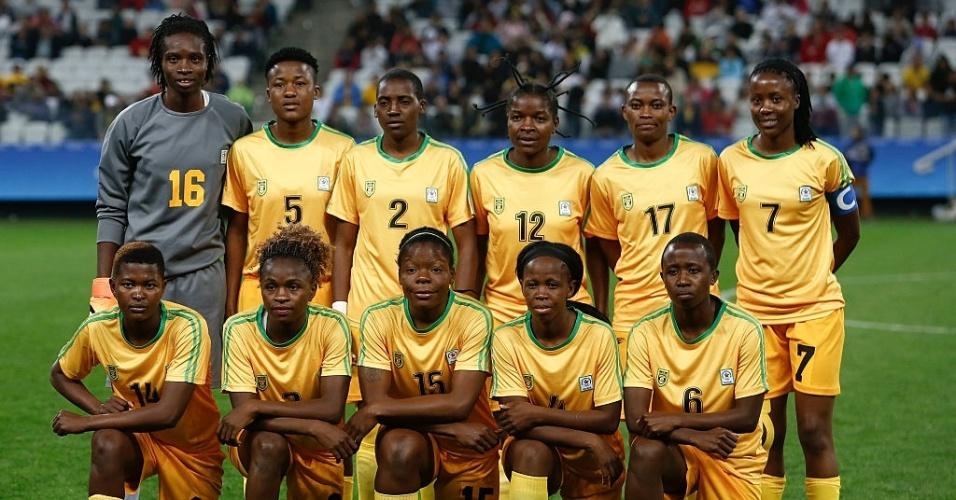Seleção do Zimbábue posa para foto antes do duelo contra a Alemanha na Arena Corinthians