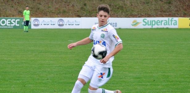 Aos 17 anos, Matheus Pallaoro integra elenco sub-20 da Chapecoense
