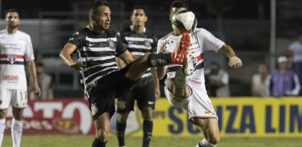 Maycon em ação no clássico passado: Corinthians venceu por 2 a 0 no Morumbi