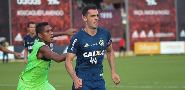 Rhodolfo já fez duas partidas com a camisa do Flamengo