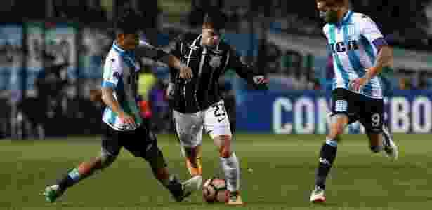 Fagner reclamou de arbitragem uruguaia em eliminação para o Racing - Agustin Marcarian/Reuters