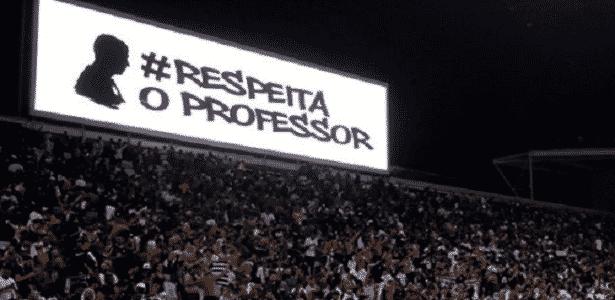 9eefdf2eab Corinthians usa gafes com Carille e venda de ingressos para provocar ...