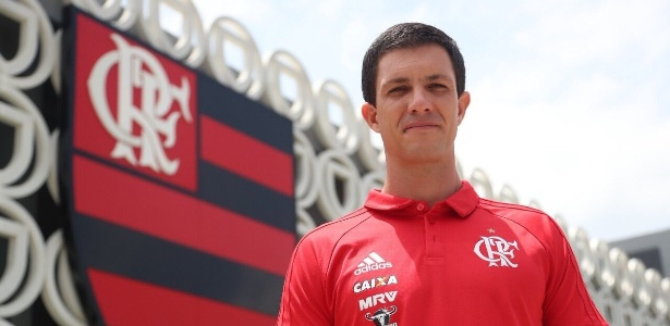 Auxiliar Mauricio Barbieri tem comandando a equipe do Flamengo interinamente