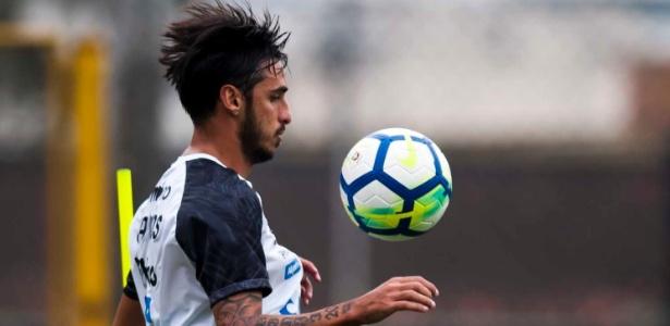 Bryan Ruiz não regularizou o visto trabalhista e não pode estrear pelo Santos - Ivan Storti/SantosFC