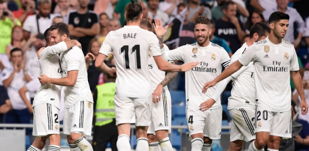 Jogadores do Real Madrid comemoram gol de Carvajal no Santiago Bernabéu - Javier Soriano/AFP