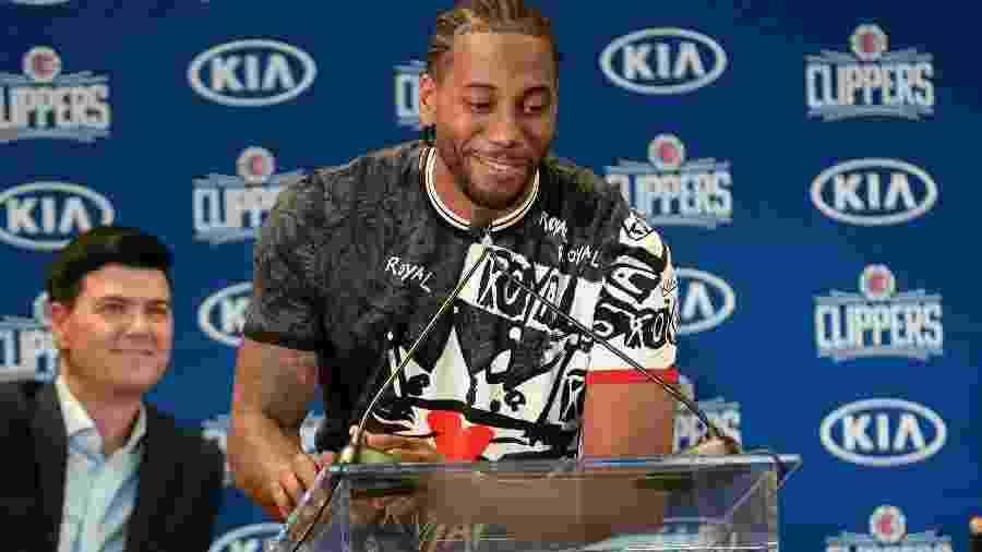 Kawhi Leonard foi apresentado no Los Angeles Clippers - Gary A. Vasquez/USA TODAY Sports