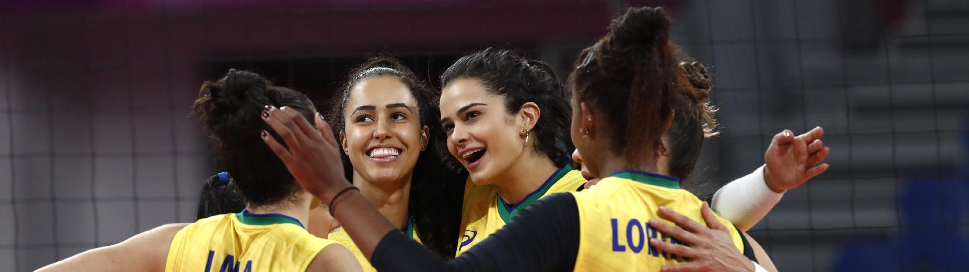Brasileiras comemoram vitória sobre Porto Rico na estreia do Pan de Lima