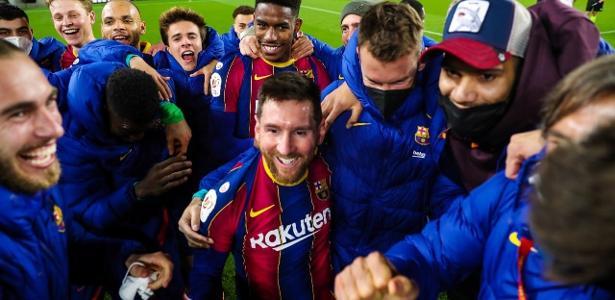 Messi volta a sorrir, vibra 'como nunca' pelo Barça e comemoração viraliza