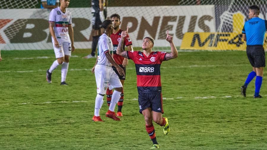 Pedro foi diagnosticado com covid após passagem pela seleção olímpica - Marcelo Cortes / Flamengo
