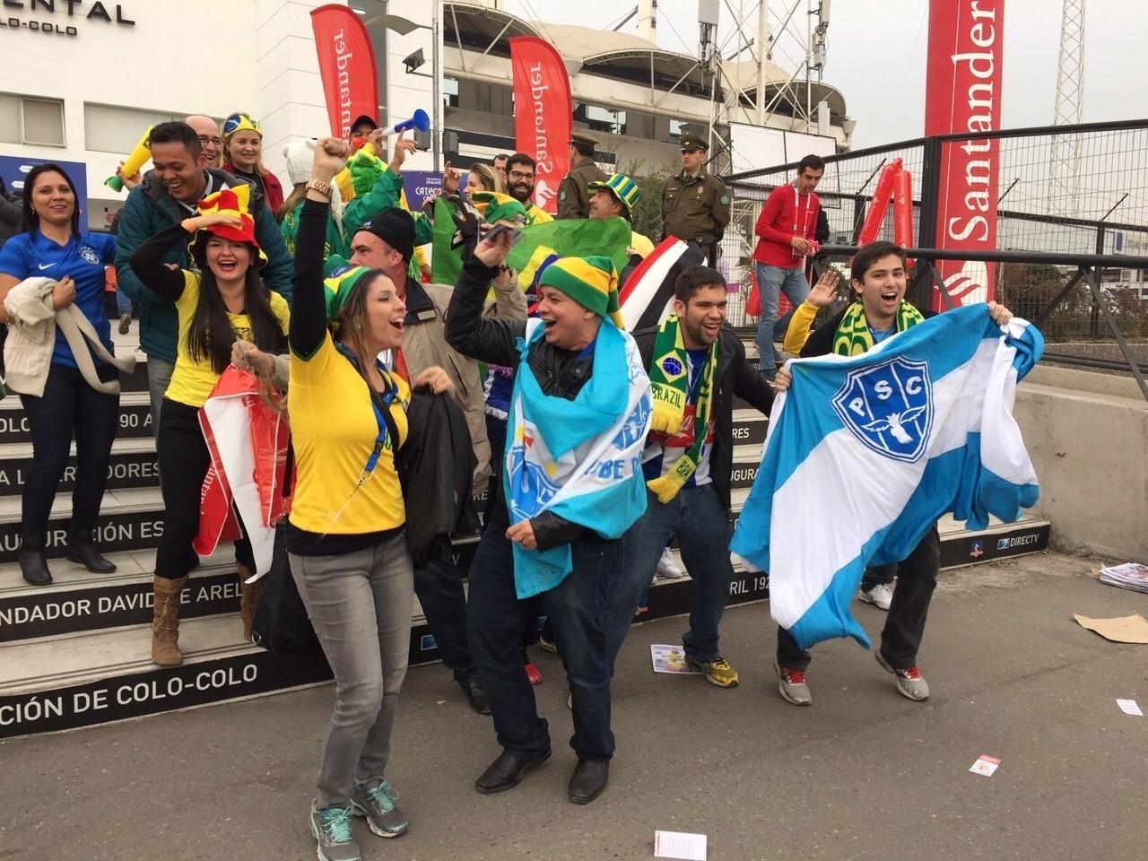 Torcida faz festa antes jogo do Brasil contra a Venezuela pela Copa América