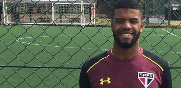 Lateral esquerdo Júnior começa a treinar no São Paulo em busca de chance