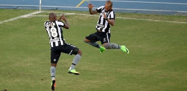 Sassá (à esquerda) está na mira do Cruzeiro para o decorrer da temporada - Satiro Sodré/SSpress/Botafogo