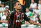 "Ederson cutuca Coritiba: ""a gente buscou o jogo, diferente do nosso rival"" - Cleber Yamaguchi/AGIF"