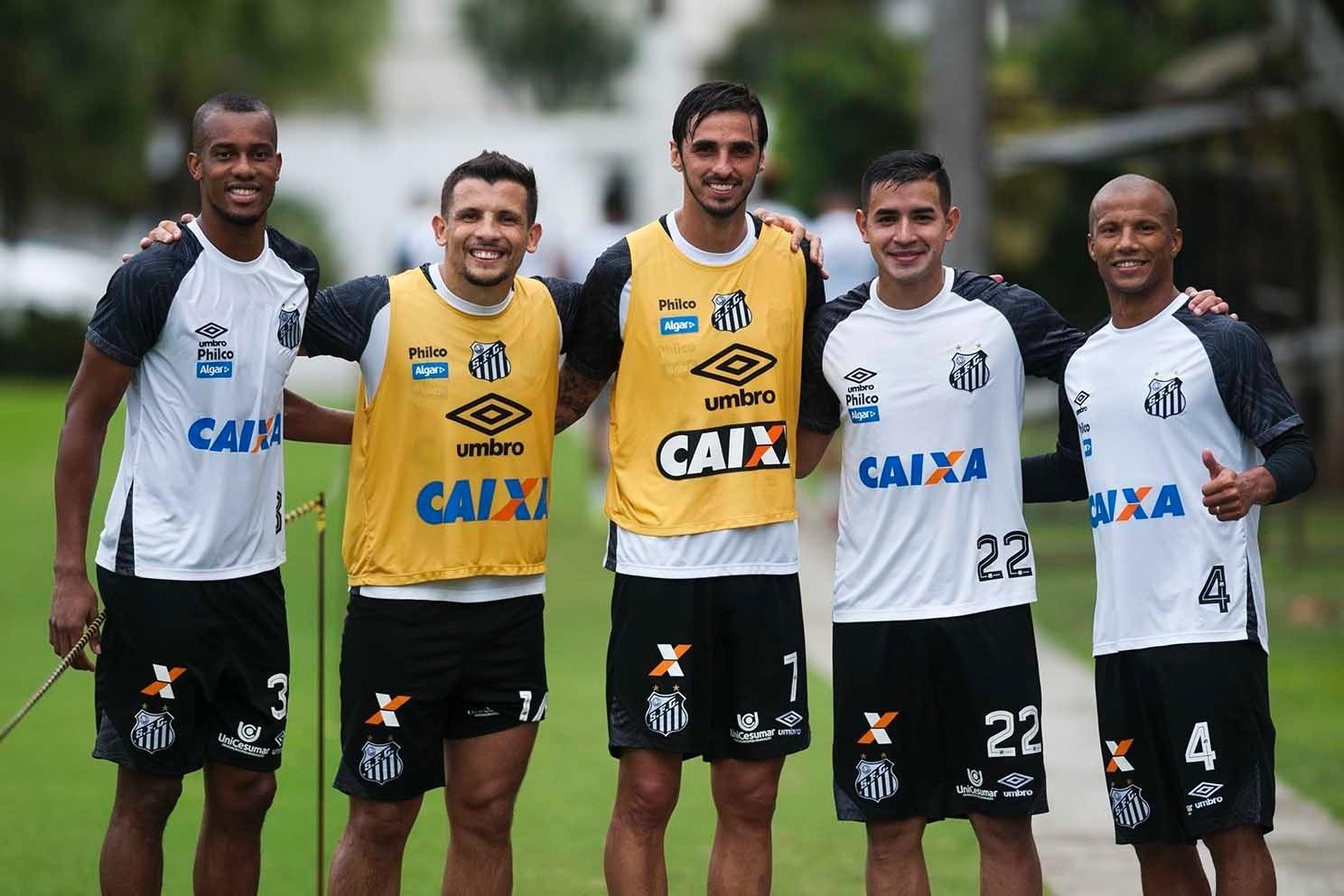 27d8b7248c Cuca vê excesso de estrangeiros no Santos e rejeita argentino Marco Ruben -  Esporte - BOL
