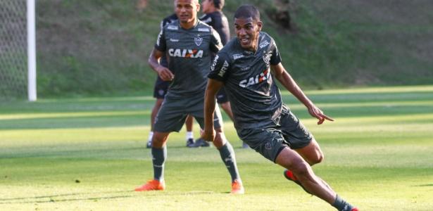 Leonardo Silva em treino do Atlético-MG; zagueiro negocia renovação - Bruno Cantini/Divulgação/Atlético-MG