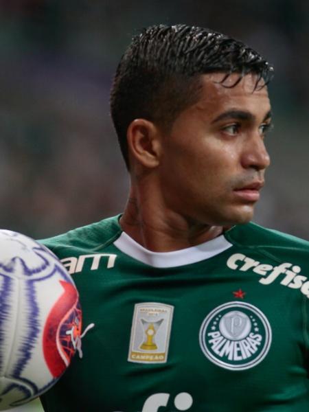 Dudu, jogador do Palmeiras, enfrenta o Botafogo-SP - Marcello Zambrana/AGIF