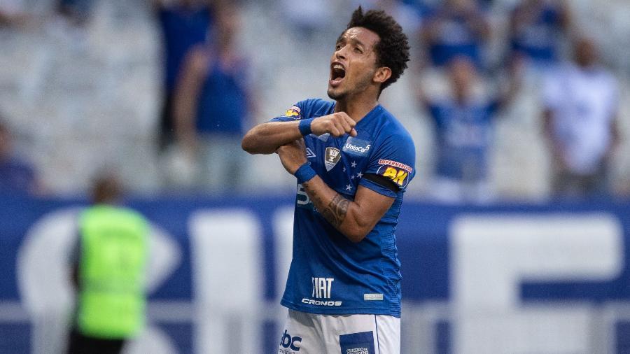 Meia segue como um dos principais atletas de Mano, mas ainda não se firmou como titular - Pedro Vale/AGIF