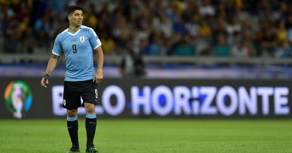 Suárez, durante partida entre Uruguai e Equador