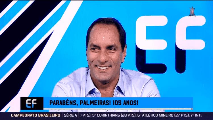"""Edmundo se emociona ao ser colocado por colegas em """"seleção histórica"""" do Palmeiras - Reprodução/Fox Sports - Reprodução/Fox Sports"""
