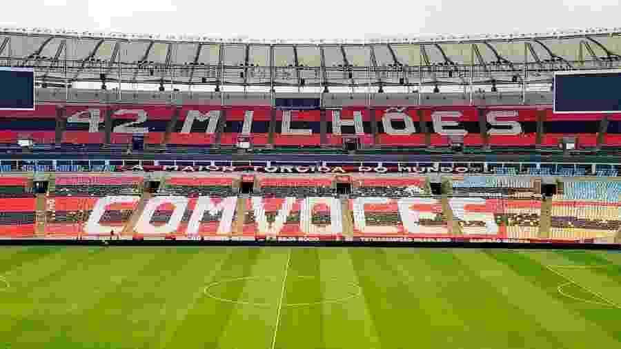 Torcida do Flamengo preparou mosaico no Maracanã para a final do Carioca - Reprodução/Twitter