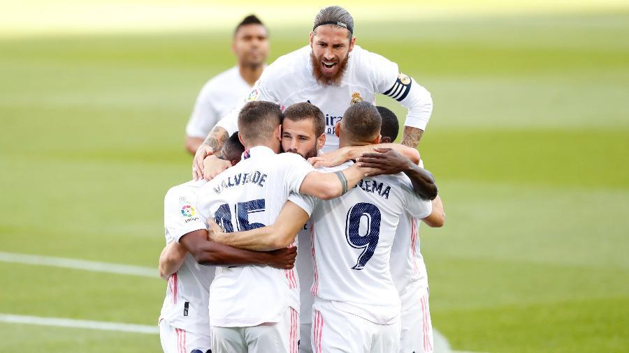 Jogadores do Real Madrid comemoram gol na vitória sobre o Barcelona, no Cam Nou - Antonio Villalba/Real Madrid
