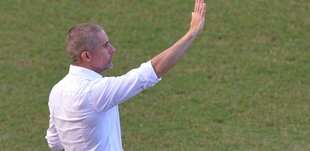 Sylvinho elogia Vitinho e diz que jovens do Corinthians deram resposta