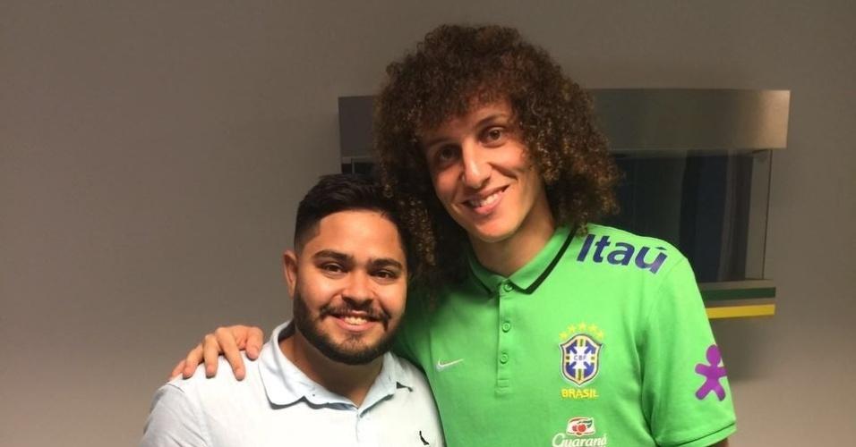 Não foi desta vez que David Luiz cortou a cabeleira...